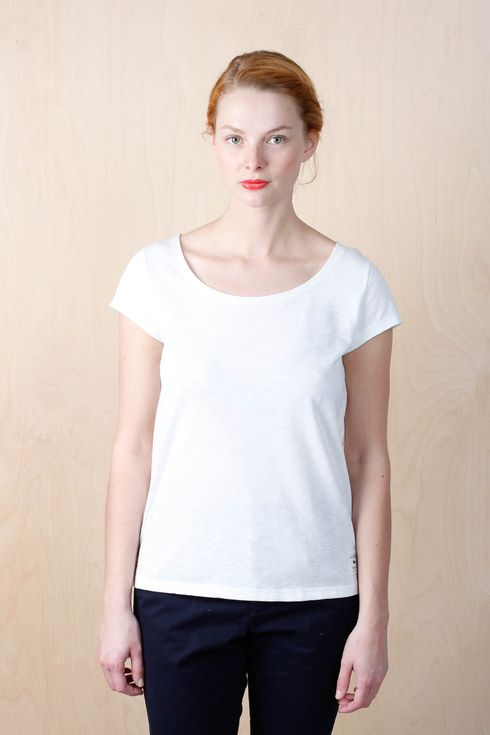 EM Jane T-shirt Offwhite - emma och malena