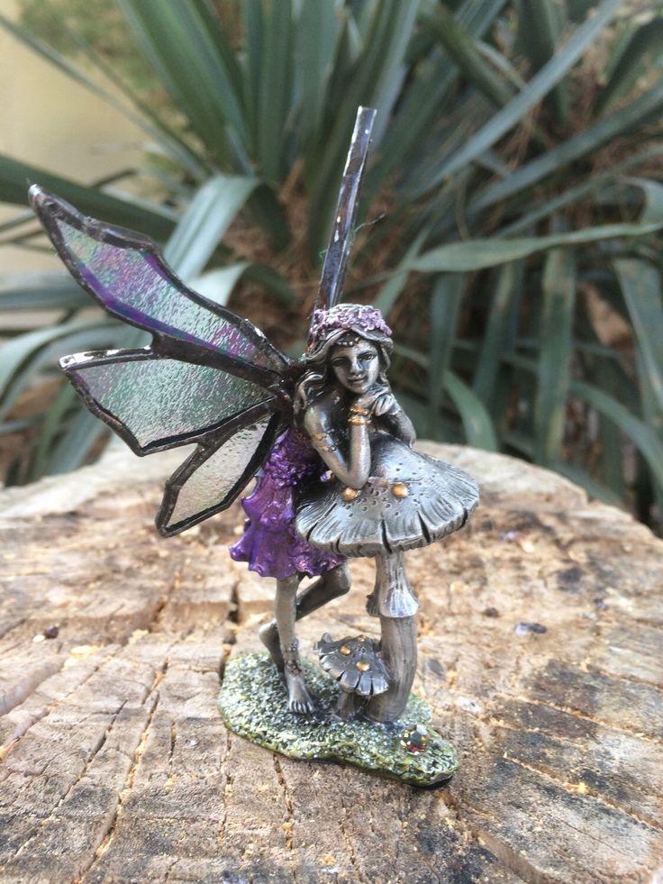 Een persoonlijke favoriet uit mijn Etsy shop https://www.etsy.com/listing/234990283/tiffany-angel-glass-fairy-tiffany-fairy