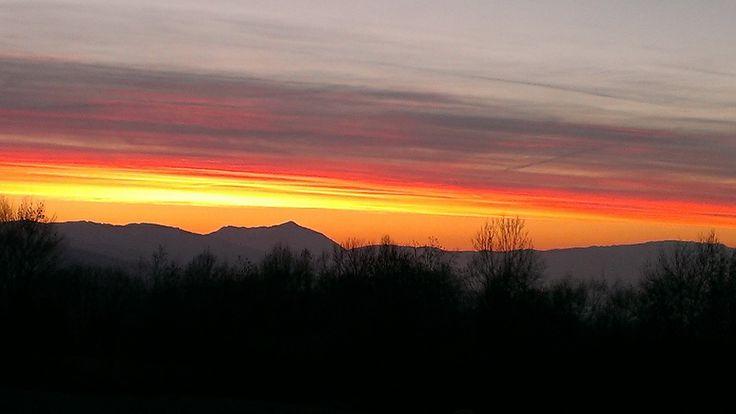 Vista nelle #Dolomiti bellunesi al tramonto dal nostro B&B.