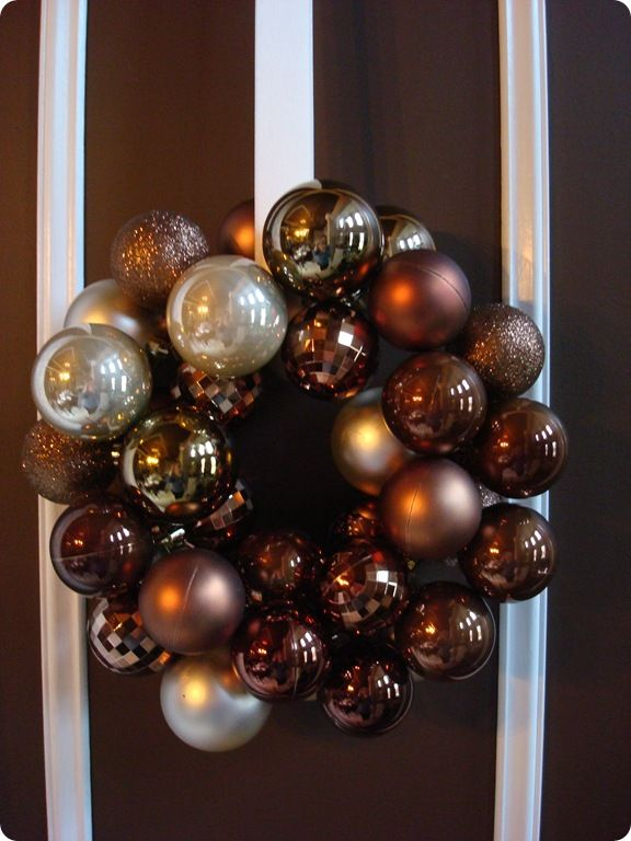 DIY ornament wreath and tutorial from Thrify Decor Chick (love her) easier than I thought.