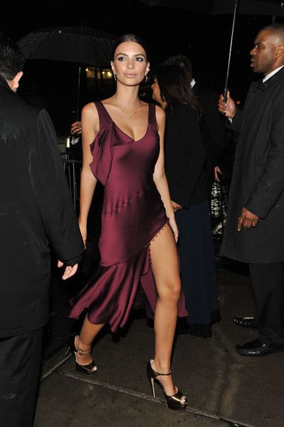 Sultry in Satin - Style Crush: Emily Ratajkowski on the Red Carpet - Photos