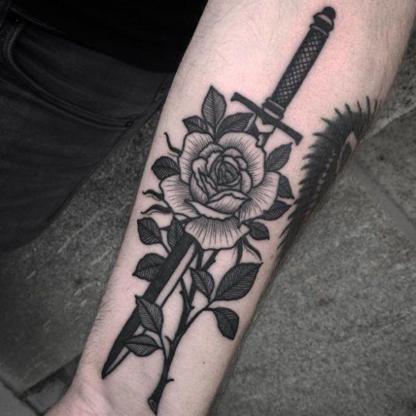 tattoo dagger rose in black. Black Bedroom Furniture Sets. Home Design Ideas