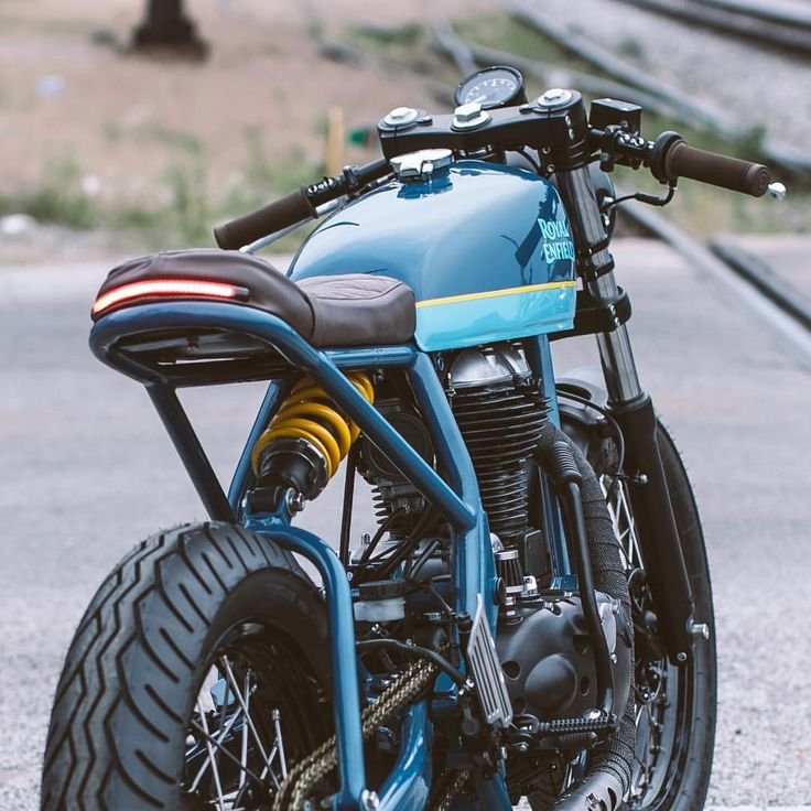 "10.6k Likes, 18 Comments - Drop Moto (@dropmoto) on Instagram: ""@federalmoto's latest build hit the pages of @bikeexif today and she sure is a playful little gem.…"""