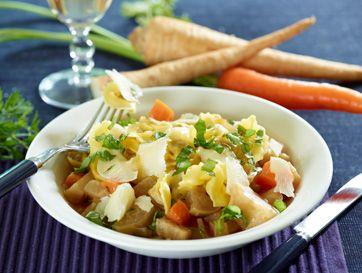 Frysemad: Fyldt pasta i grønsagssauce   Skøn pastaret med masser af grønsager