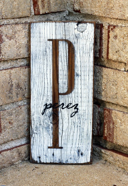 initialCrafts Ideas, Wedding Gift, Old Wood, Families Signs, Monograms Signs, Wooden Inspiration, Front Porches, Family Name Signs, Families Names Signs