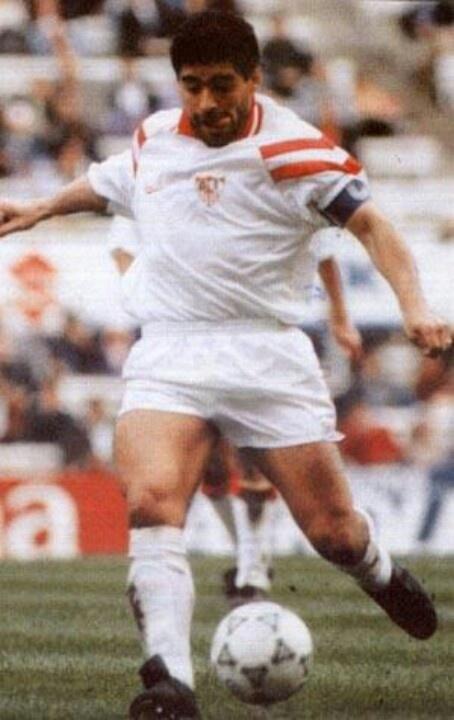 Maradona en su paso por el Sevilla
