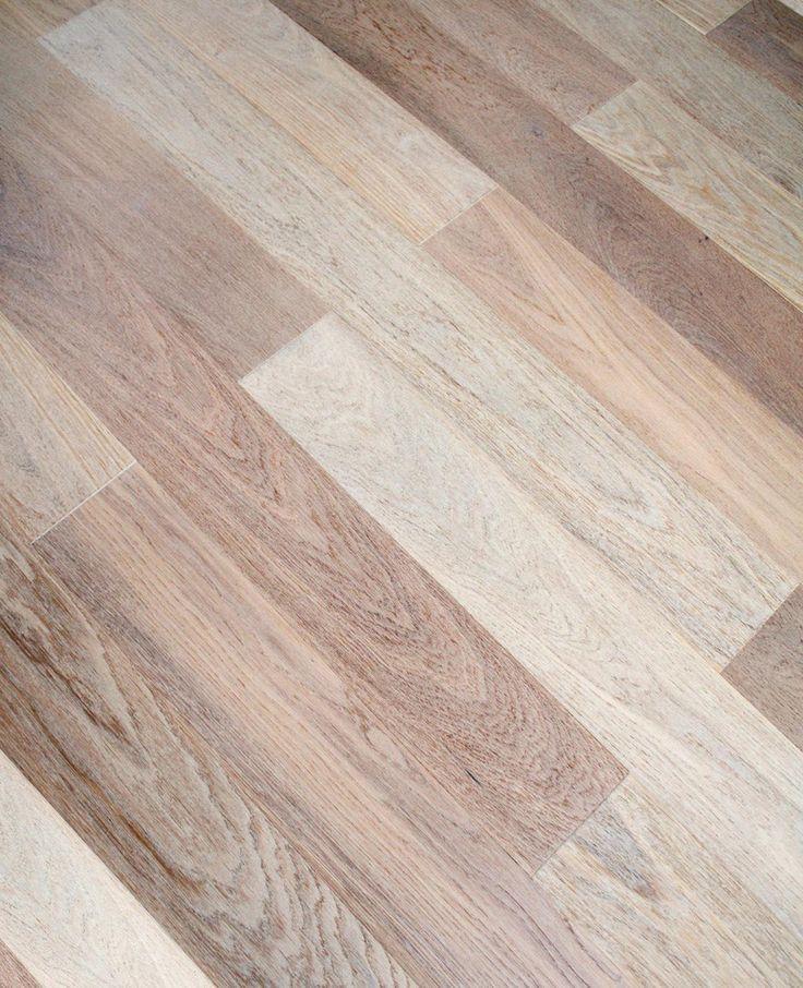 Laminaat schoonmaken? Hoe kun je dat het beste doen? Hierbij de gouden tip die al jaren werkt voor een laminaatvloer schoonmaken!