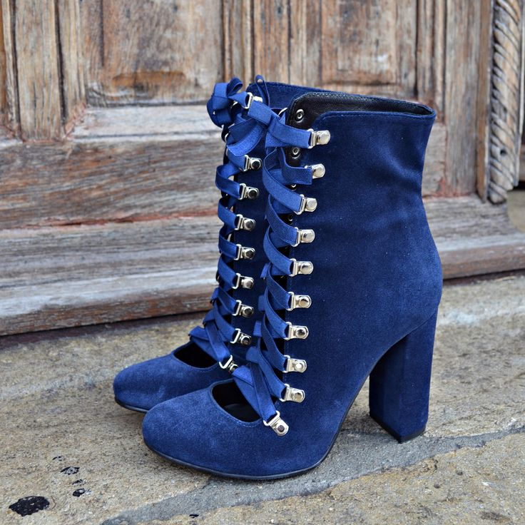 #the5thelementshoes #rosettishowroom #blue #leather #ballerina #boots