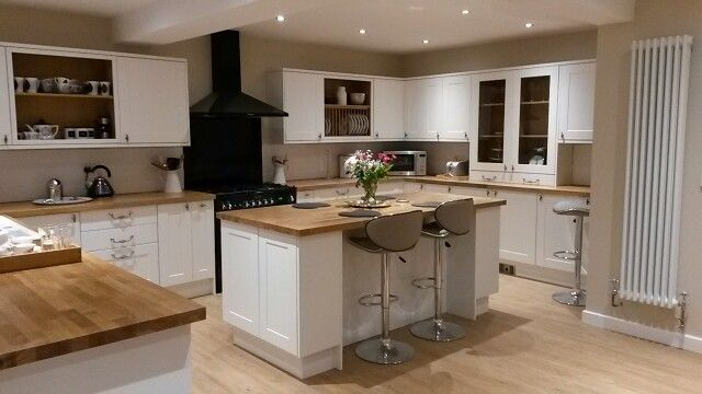 Our new Burford White Howdens Kitchen - interesting black oven