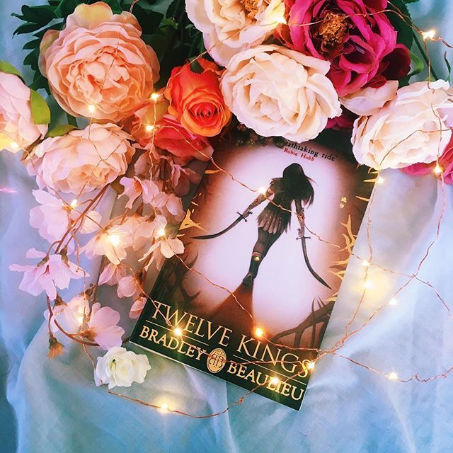 It's been a while since I've read an epic fantasy- this one features a girl on a revenge quest which is my favourite trope ever 🗡 • • What's your most loved fantasy trope? Do you like The Chosen One or do you think we have way too many?