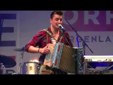 Andreas Gabalier - Engel - live - YouTube