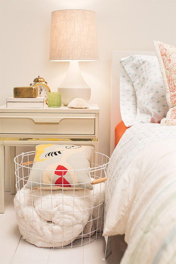 best 25 wire storage ideas on pinterest diy shoe organizer cord storage and cord management. Black Bedroom Furniture Sets. Home Design Ideas