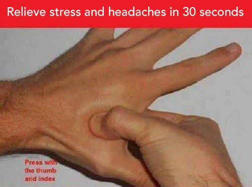 Here is how to relieve headaches and stress in 30 second with acupressure.