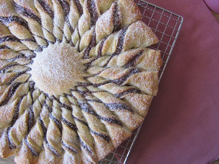 Girasole di pasta sfoglia alla Nutella preparazione