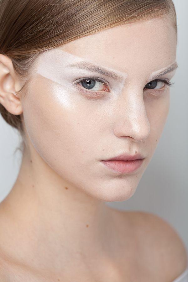 Gloria Coelho. http://votetrends.com/polls/369/share #makeup #beauty #runway #backstage