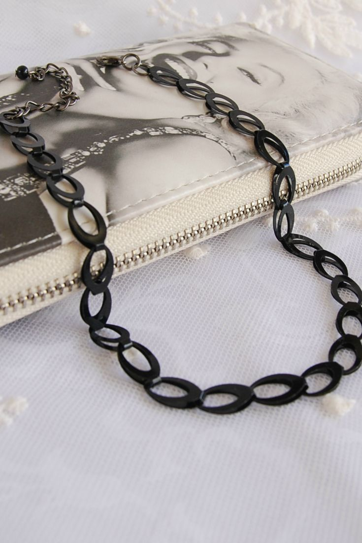Unusual black metal chain choker necklace, simple choker, Grunge Jewelry, Goth & Gothic necklaces #blackchainchoker #chainchokers #metalchoker #tattoochokers