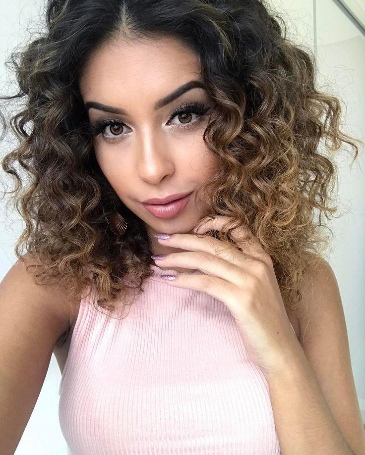 """6,941 curtidas, 30 comentários - Juliana Louise (@jujubamakeup) no Instagram: """"Tem vídeo novo no canaal  Ensinei a fazer essas unhas metálicas maaara, vem ver #jujubasdaju…"""""""
