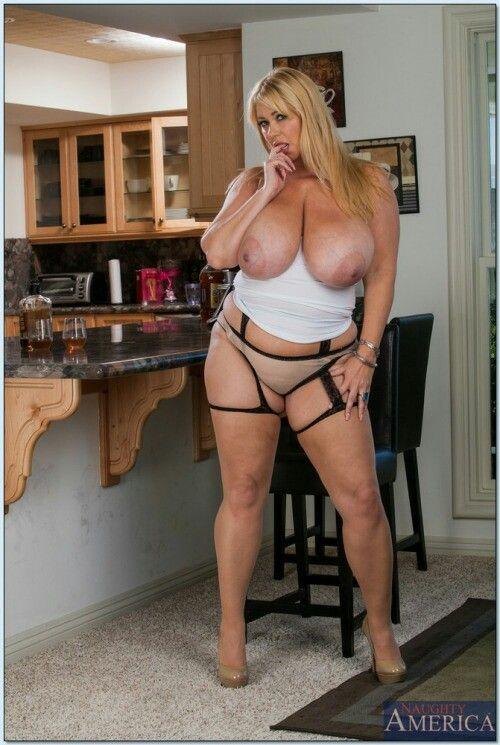 skinny girls big boobs