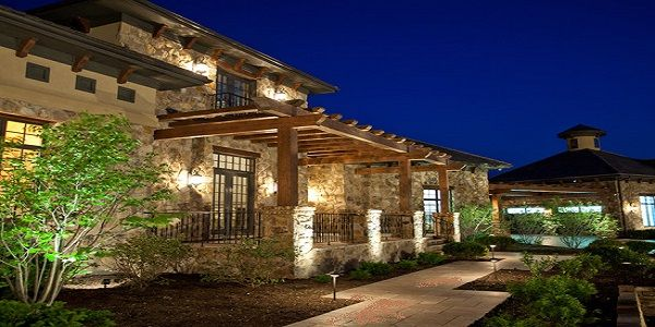 Contemporary Home Exterior Design Ideas with Luxury Ranch Style Exterior Design