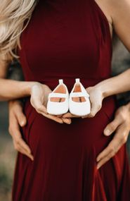 Romantic Red Maternity Photos in Portland