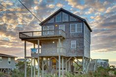 Makin' Waves 290 is a 4 bedroom, 2 bathroom Semi Oceanfront vacation rental in Waves, NC. See photos, amenities, rates, availability and more details to book today! #PetFriendly #OBRpets
