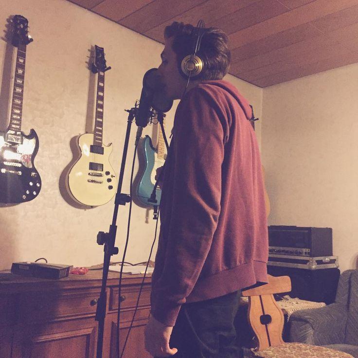 Recording this radio announcement for #rpmradio ! #radio #rpm #studio #micropho…  Recording this radio announcement for #rpmradio !    #radio #rpm #studio #microphone #mic #music #recording #record #waitingfor #passion #band #bandlife #life #live #poppunk #hardcore #punk #rock #punkrock #fun #fuckyeah #guitars #guitar #wall #talk   Source   The post  Recording this radio announcement for #rpmradio !  #radio #rpm #studio #micropho…  appeared first on  Guitar Life Rocks .  https..