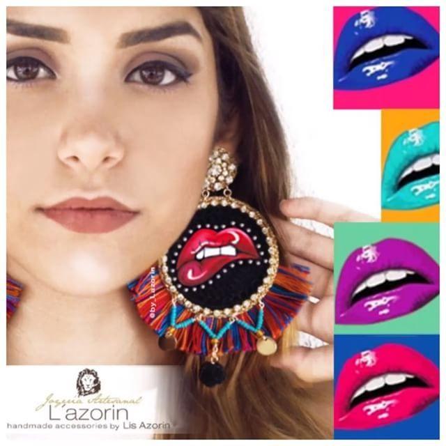 💋💋 Aretes Pop Art💋💋 @by_lazorin #bylazorin  #by_lazorin 🇻🇪 .  .   Instagram: @By_Lazorin  Twitter: @By_Lazorin   Modelo : Aretes Pop Art Boca @doribasc🔻  🔻  http://lazorin.wix.com/bylazorin  #InstaFashion #jewelry  #pop #bohoFashion#photoshoot#Brinco #earring #bohostyle#wayuustyle #accesorios #pompoms #mouth #Earrings #jewelrydesign  #venezuela #mood #zarcillos #popart #EncuentroGlamArte #diseñadorasporvenezuela #boca#tassel