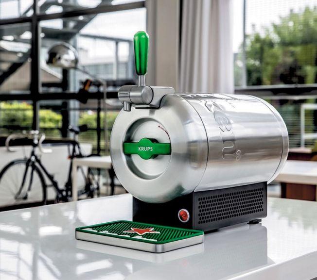 Apple's Marc Newson Designs a Home Draught Beer Machine for Heineken | Adweek