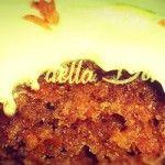 Carrot Cake: Torta di carote  La torta di carote mi ricorda Londra. Mi ricorda le estati trascorse in una scuola di Kensington per migliorare il mio inglese, mi ricorda le decine di amicizie internazionali che ancora restano, mi ricorda la corsa frenetica con mia sorella alla ricerca di un Pret à Manger per gustare questo dolce confezionato sotto forma di rettangoloni ...  - see more: http://www.latortadelladomenica.it/recipe/torta-di-carote/