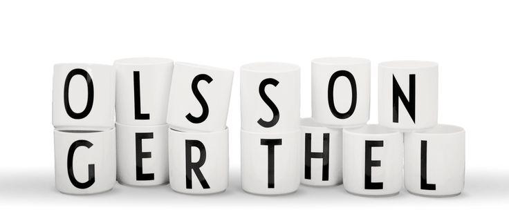 Bokstavsmugg Porslin Arne Jacobsen | Olsson & Gerthel . ett K och ett R