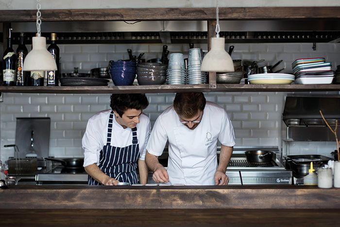Robin's Kitchen - Bilal Mert // Cooklife Mag v.10 #cooklifemag #cooklife #robinskitchen #food #lifetsyle #kitchen #table #chef #bilalmert - Story: Sinem Uysal  Photo: Derya Turgut