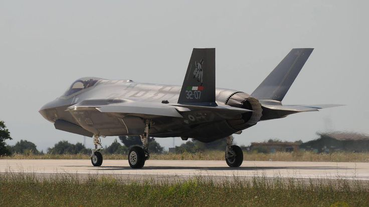 The Aviationist » Here Are The World's First F-35A Lightning II Stealth Aircraft With Special Tail Markings
