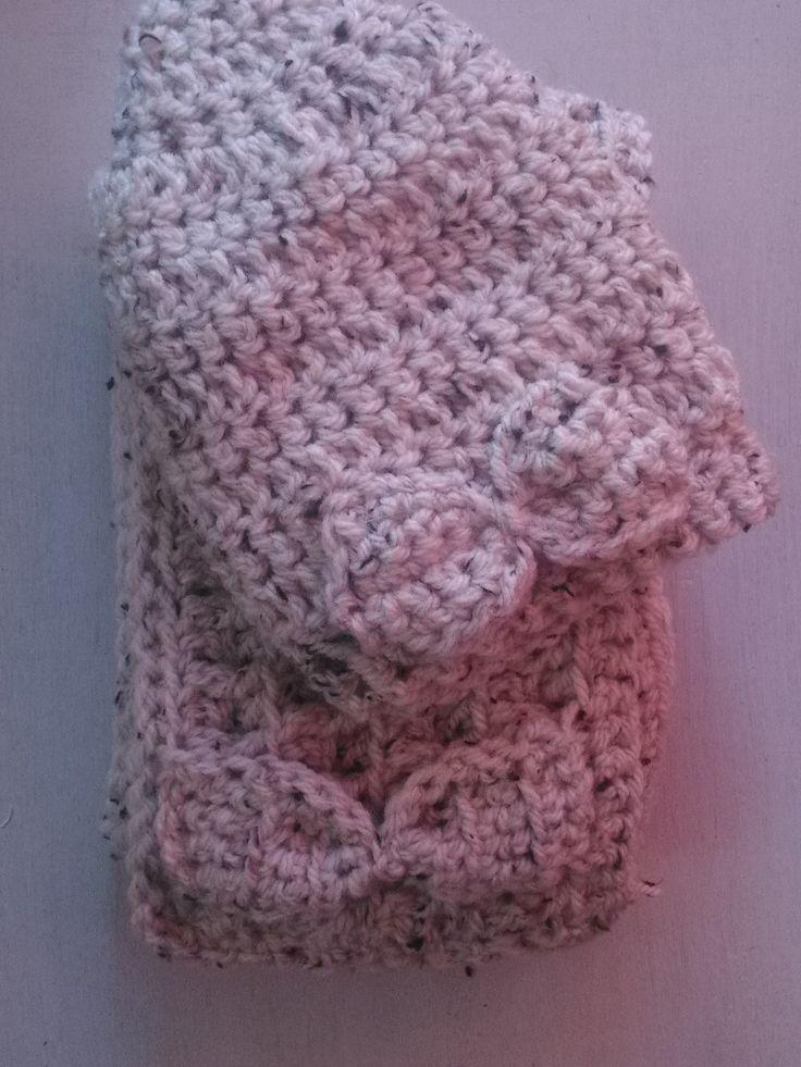ensemble bonnet et écharpe au crochet fil à tricoter écru chiné : Echarpe, foulard, cravate par chely-s-creation