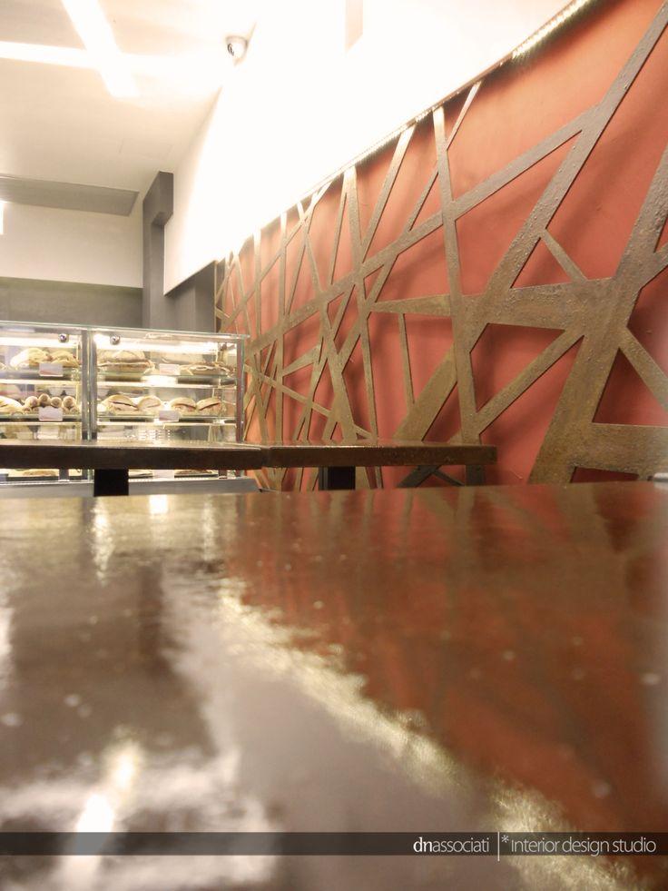 REALIZZAZIONE LOCALE COMMERCIALE _ PIRO' _ NAPOLI #bar #lounge #aperitf #food #pirò #Napoli #table #detail #corten