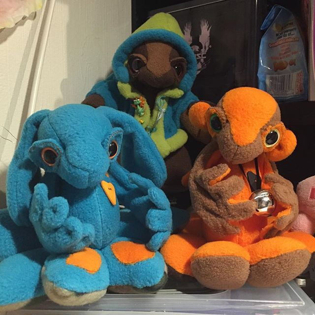 My trio of plushbabies! #plushiesofinstagram #plushbaby #plush #bunny #suncatchereyes #ugo #seago #blue #chocolate #monkey #orange #brown #bell #love #heart