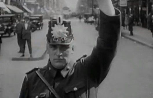 Berlín: Die Sinfonie der Großstadt. (1927).Walter Ruttman