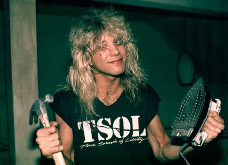Steven Adler. The most adorable man ever. I miss this guy. <3 :)