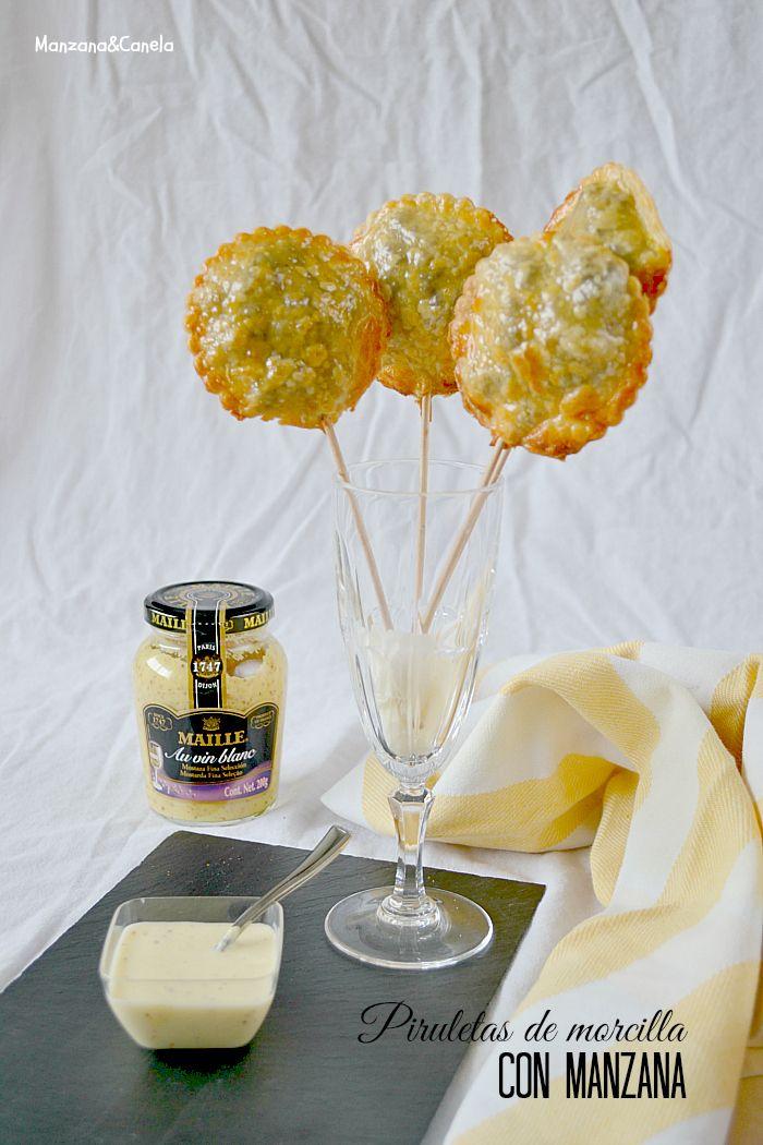 Piruletas de morcilla con manzana y salsa de mostaza al vino blanco