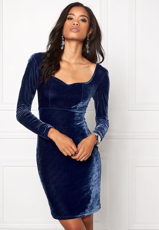 Model Behaviour Violette dress midnight blue velvet