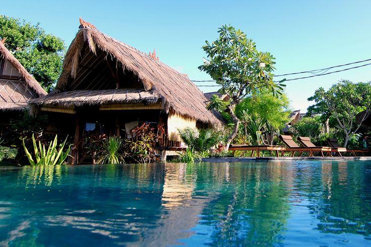 Echa un vistazo a nuestra lista de hoteles en Bali buenos, bonitos y baratos y empieza a ahorrar dinero en tu viaje a Indonesia.