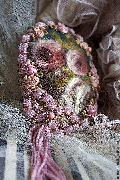 Брошь B14025 - розовый,брошь,картина,розы,бантик,вышивка ручная,авторская ручная работа