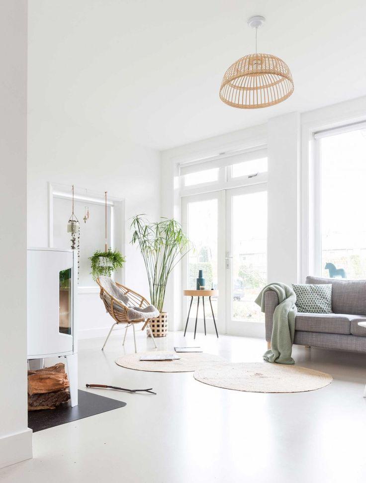 On rêve tous d'un intérieur lumineux avec une belle déco. Cette maison d'esprit scandinave réunit tous les atouts pour nous séduire avec une déco végétale.