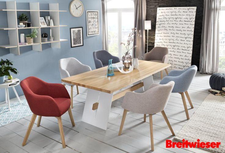 Bringt etwas Farbe ins #Esszimmer mit verschiedenen Sitzschalen, Bezügen und Gestellen. #Esstisch #Polsterstuhl