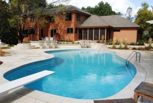 eaa5485d255 Transform your backyard into an oasis : Home-and-garden #divingboardideas