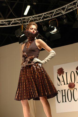 17 best images about robes en chocolat editions salon du chocolat paris on pinterest sexy. Black Bedroom Furniture Sets. Home Design Ideas