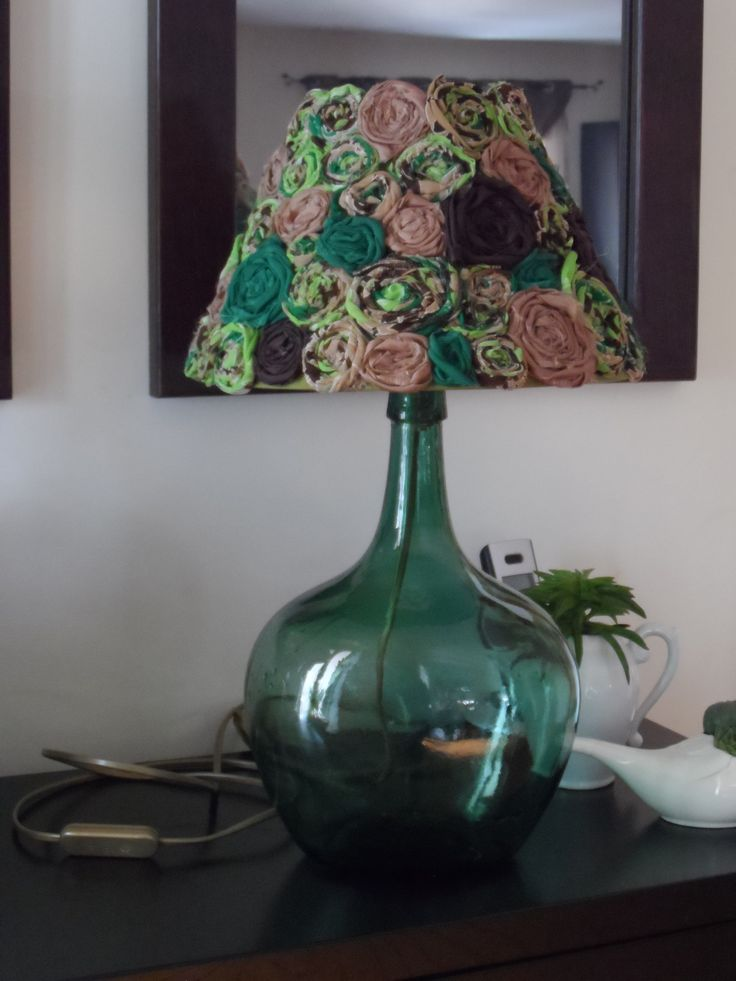 Diy lamp - repurposed lampshade https://www.facebook.com/Jardim-de-Prata-406703122794580/?fref=ts
