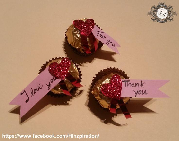 Kleine Geschenkidee für Valentinstag oder einfach mal so für zwischendurch.  Ideen von Heikes Kartenwerkstatt, meine etwas veränderte Umsetzung:  http://heikeskartenwerkstatt.de/2293/gastgeschenke-mit-ferrero-rocher/