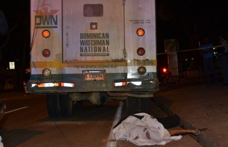 Matan Chofer, Hieren Ayudante En Atraco A Camión De Valores