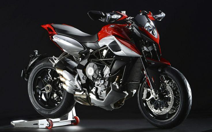 """#moto MV Rivale 800 """"Potenza e facilità di gestione i suoi fiori all'occhiello"""""""