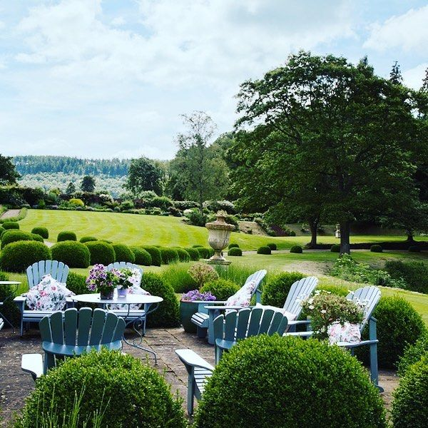 I M Crazy About This Beautiful Landscaping At Penny Morrison S Country Home In England I Love Penny S Work And Her Persona Country House Dilapidated Landscape
